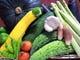 アスパラをはじめ産直市場で仕入れた地場産新鮮野菜