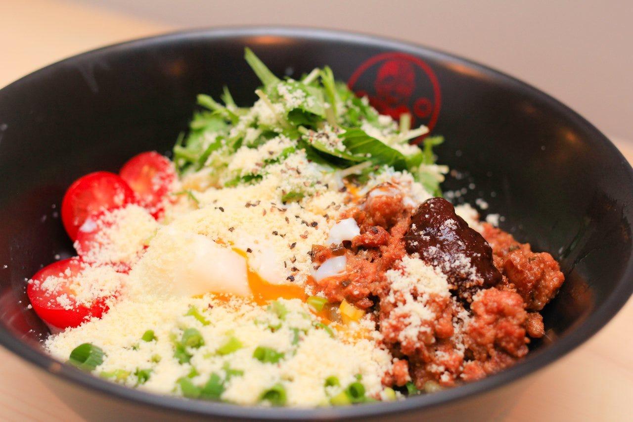 東海コラボナーラ カルボナーラ仕立てのコラボ麺!