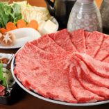 しゃぶしゃぶのコースは6,000円(税抜)~ご用意。8,000円(税抜)以上のコースは、牛たたきが付きます。