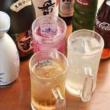 8名様以上のご宴会には、+2,000円(税抜)で飲み放題を追加できます。上質な近江牛を、お酒と共にお愉しみください。