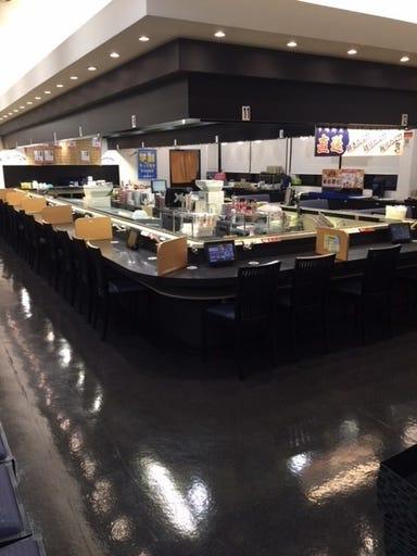 本格グルメ系回転寿司 海都 一の宮店 店内の画像