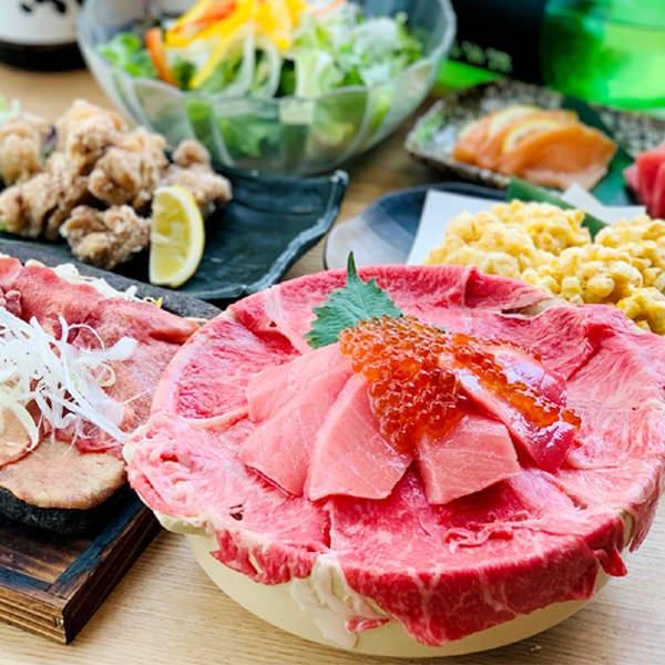 マグロとローストビーフいくらのせ海鮮肉飯プラン3300円