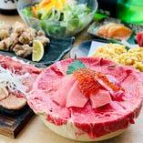 【海鮮肉飯プラン】マグロとローストビーフのいくらのせ土鍋飯飲み放題2時間付き3300円税込み