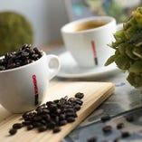 50年以上もの間、世界中のコーヒー愛好家から支持され続ける《真のナポリコーヒ》