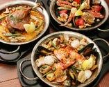 漁師風魚介のパエリア、渡り蟹とフレッシュトマトのブラックパエリア、ジャンボマッシュルーム、とろとろイベリコ豚の塩レモンパエリアとイベリコ生ソーセージのパエリア、具材たっぷりの必食LIBRA特製パエリア。と5種類のパエリアをご用意!みんなで楽しく取り分けて食べれば、会が盛り上がること間違いなし!