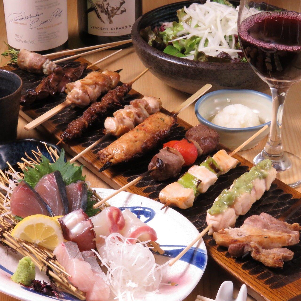 鮮魚の刺盛に加え、朝引き鶏や赤牛、糸島豚入りの10本コース