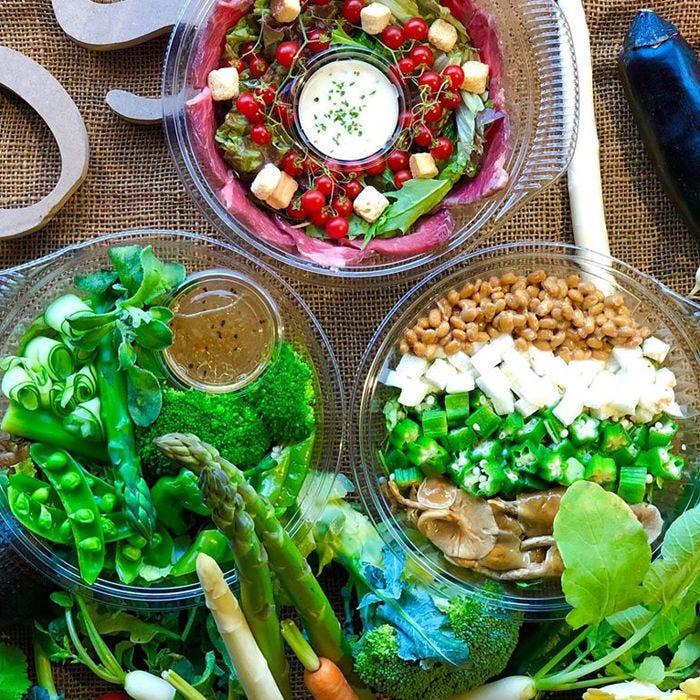 コース料理で使われる新鮮なお野菜 毎日市場で厳選しています!