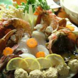 魚介と野菜とのハーモニーが織り成すアツアツ鍋は格別です