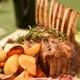 宴会料理ならではの塊肉のロースト