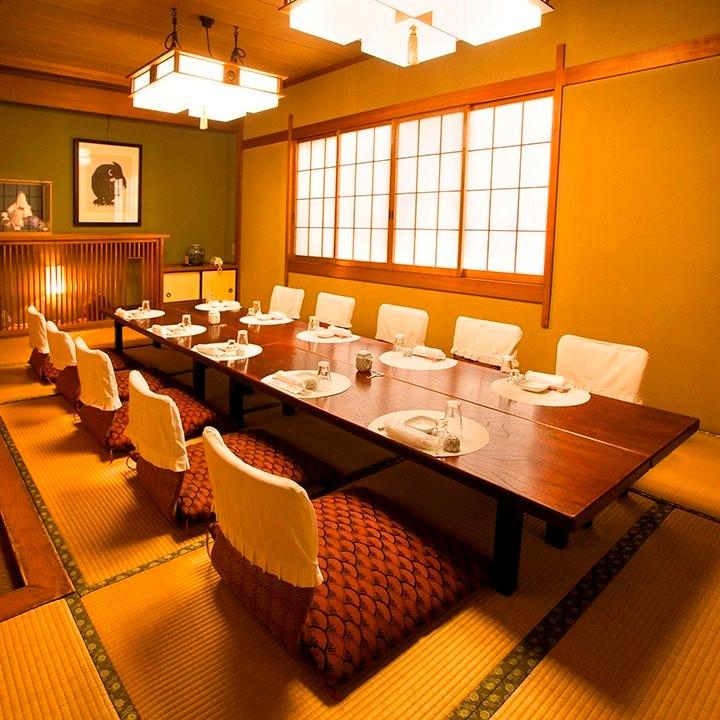 人数に応じた寛ぎの個室完備 少人数から団体様まで個室利用可能
