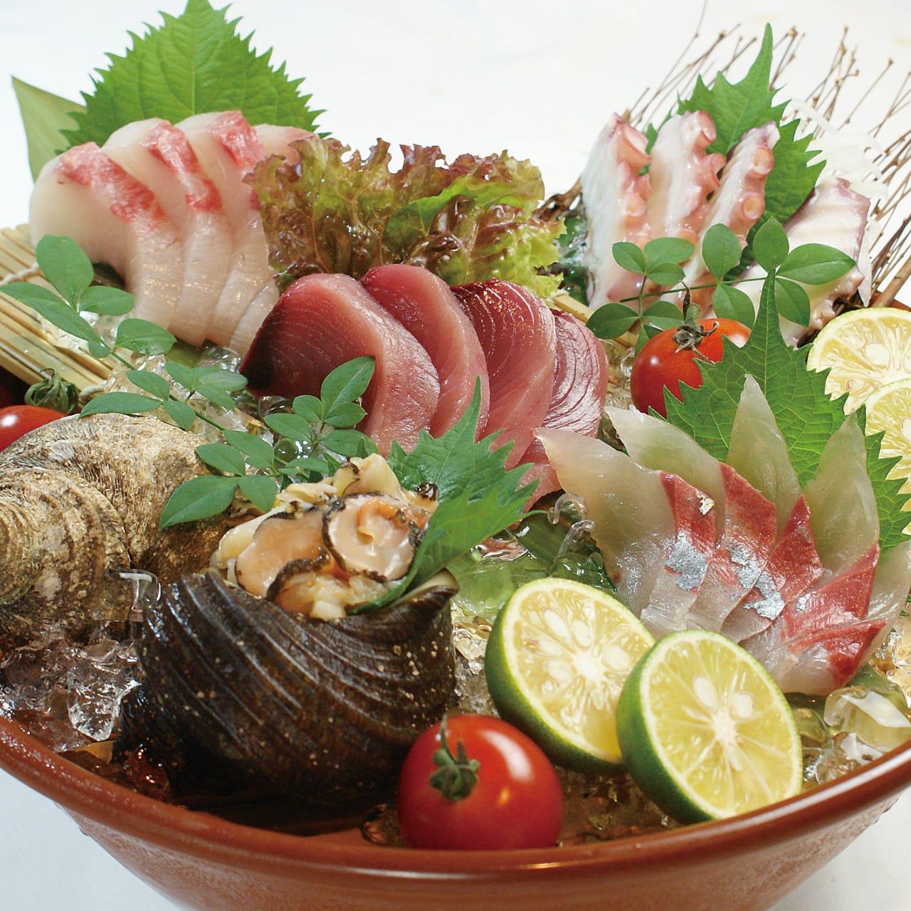 旬の地魚料理をどうぞ!店内の季節メニューもお楽しみに♪