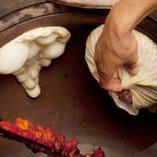 毎日手作りでナンを焼いています! 美味しいですよ♪