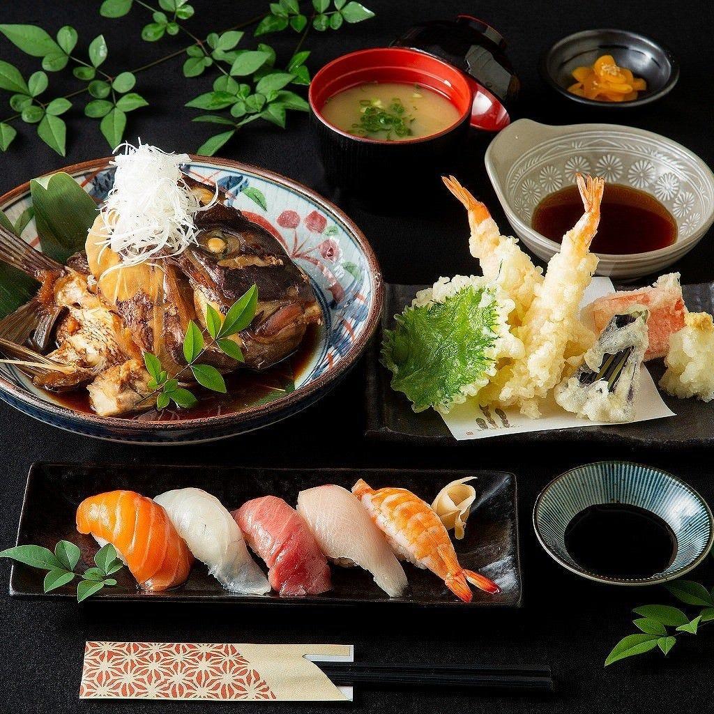 握り寿司に天麩羅、大ぶりの真鯛の荒炊きの付いた御膳は豪華絢爛