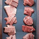 食べ比べ!厚さ20mmの霜降り厚切り肉を数種ご用意。