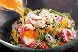 季節の華味鳥サラダ