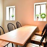 ◇レイアウト変更OK◇ テーブル席は人数に合わせて対応可能です