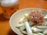 沖縄でしかあまり食べれない、島らっきょうや、宮古島から産地直送の天然海ぶどうなど沖縄~北海道まで日本の珍味が海ほたるで食べられる!