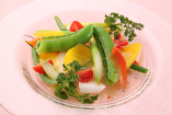 新鮮シャキシャキ野菜のカルパッチョ仕立て。
