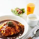 セレクトランチ スープ&ドリンクバー付き (メイン1品+ミニサラダ)