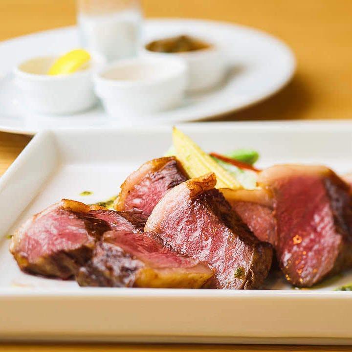 深みある旨さが格別の近江牛ステーキ