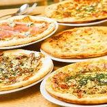 シェアしながら味わえるピザは、パーティーシーンにうってつけ!