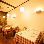 【テーブル席/2~22名様】長年親しまれてきたくつろぎ空間で美味しいイタリアンを堪能