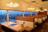 窓際のお席では玉川の夜景を眺めることが出来ます!!