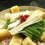 ≪名物!鳥屋鍋≫ 濃厚な鶏白湯スープ☆〆はラーメンがおススメ