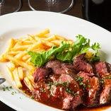 ◇肉料理◇牛サガリのステーキなど、自慢の肉料理をご堪能ください