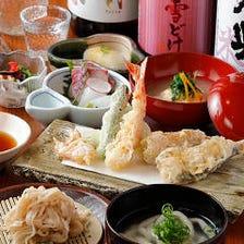 新鮮魚介4種、旬の野菜4種、かき揚げ1種が楽しめる。本格江戸前天ぷらおすすめコース