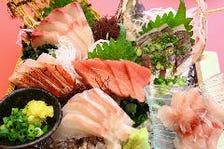 旬の海鮮や刺身、寿司など