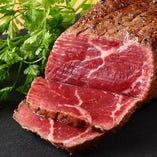厳選肉を使用した料理を振る舞います