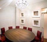 【完全個室】円卓テーブル 10名様までご利用可◎接待・顔合わせにもご利用下さい。