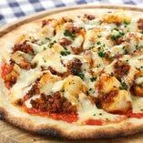 蝦夷鹿と熟成ジャガイモのピザ
