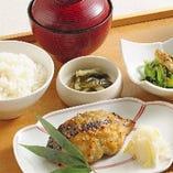 お昼間のご宴会・会議などにどうぞ!菜なの特選膳2,700円。