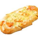 ふんわりピザ サーモンクリーム~レモスコ添え~