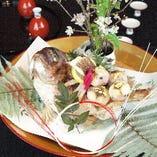 祝席には鯛塩焼きを盛り込んだ良縁懐石がお勧め