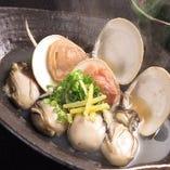 宮島産牡蠣と瀬戸内海産蛤の酒蒸し