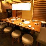 各種ご宴会に最適なテーブル席 8~12名様