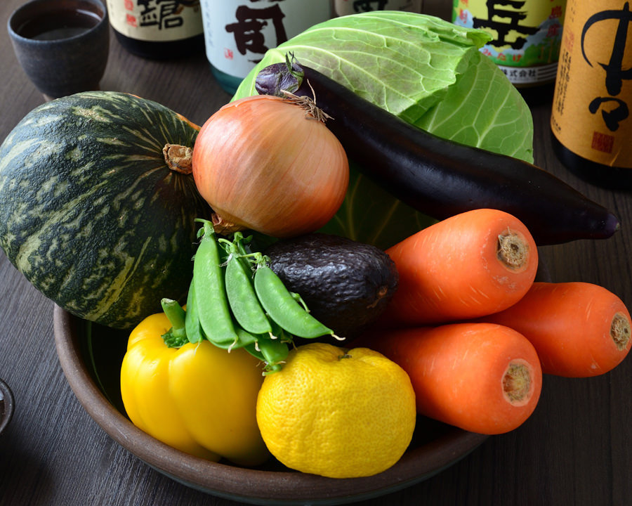 厳選された新鮮なお野菜と旬の食材