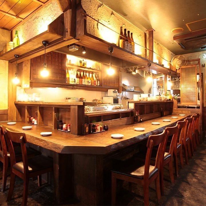 昭和レトロな炭火焼鶏店