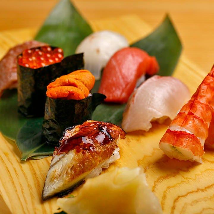旬の鮮魚はお造りやお寿司で。職人の技をご賞味ください