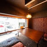【2階】やわらかな灯りが照らす和みの空間。座敷席半個室(~4名様)