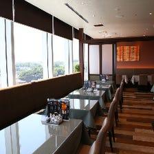 眺望の良いレストラン席で本格中華