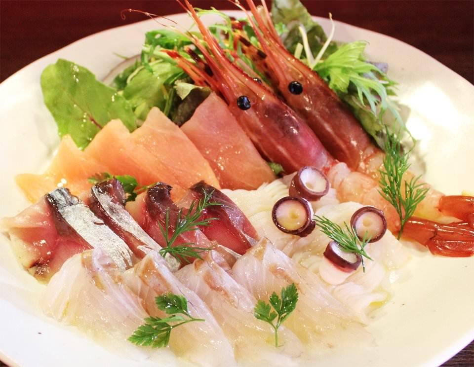 旬の素材を市場直送!新鮮魚貝!!