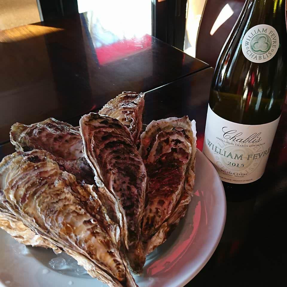 ワインも手軽に楽しめる魚貝バル