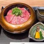 『炙りステーキ丼』 ランチメニューも豪華!ちょっぴり贅沢に☆