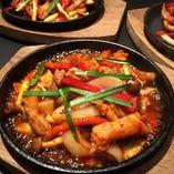 本場韓国の一品料理も種類豊富にご提供しております!!