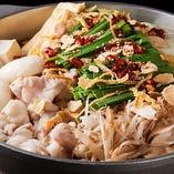 もつ・豚・鯖の3種類の鍋料理をご用意しています。