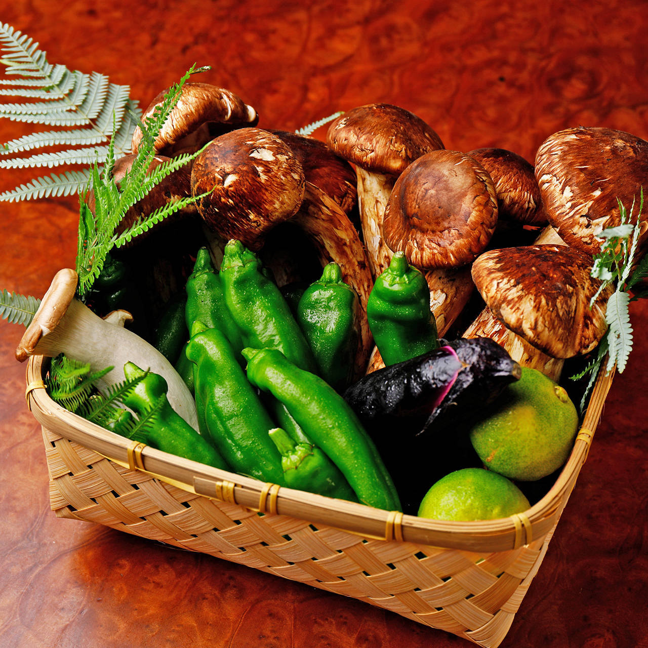 季節の旬野菜を使ったお料理をご提供しています。